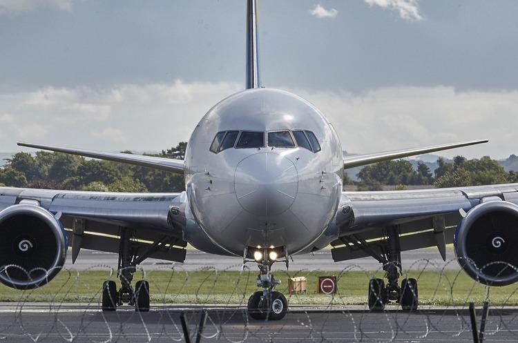 Авіакомпанія Ernest Airlines повинна заплатити «Украероруху» за два з половиною місяці