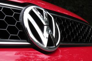 Volkswagen збирається купити 20% акцій китайського виробника батарей для електрокарів – Reuters