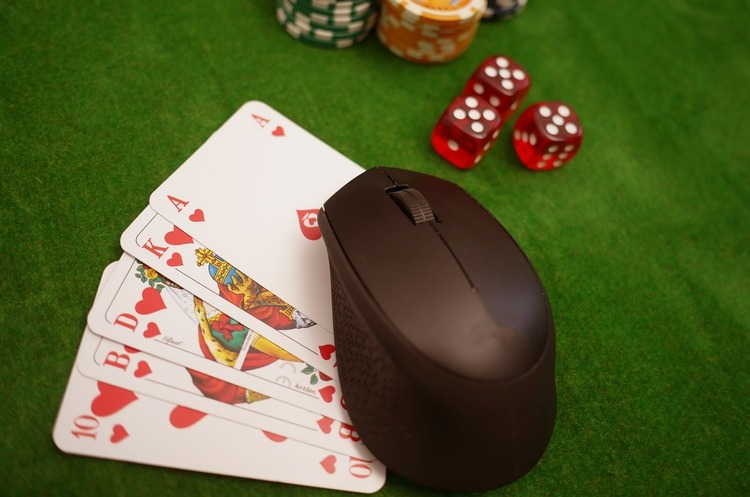 Кіберполіція: в інтернеті діє більш ніж 100 сайтів онлайн-казино орієнтованих на український сегмент