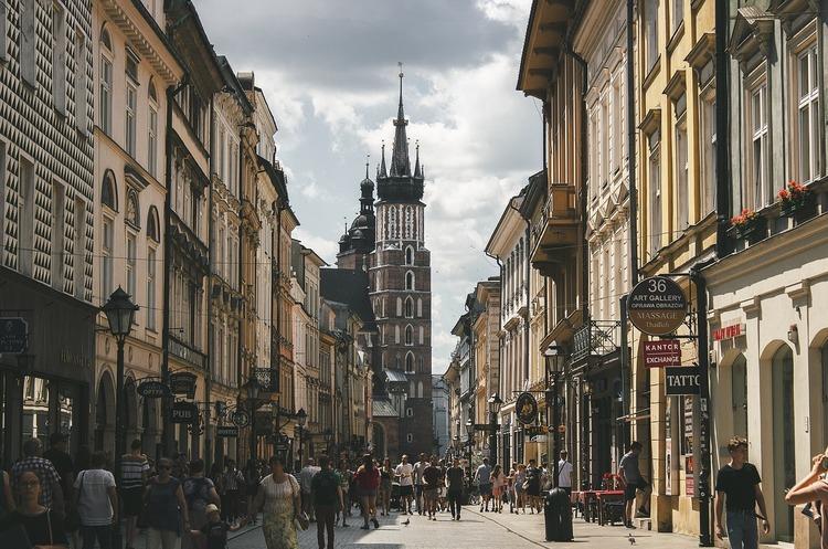 Упродовж 2019 року понад 35 000 українців отримали дозвіл на проживання в Польщі