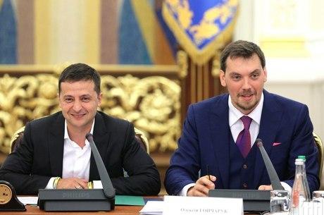 Президент доручив Гончаруку розібратися із зарплатами топ-чиновників та з «Нафтогазом»