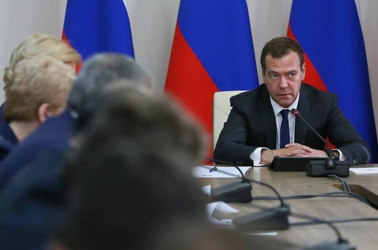 Медвєдєв пояснив, чому весь кабінет міністрів РФ пішов у відставку