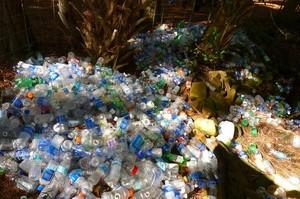 Китай планує заборонити одноразовий пластик до 2025 року