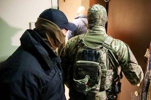 Правоохоронці вручили підозру помічнику екснардепа, причетному до справи Гандзюк та до розбоїв у Херсоні