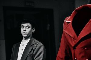 Привид у Театрі на Подолі: чим цікава гоголівська «Шинель»