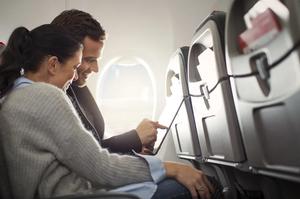 Небесный ребус: под какую компанию Кабмин принял постановление «об интернете в самолетах»