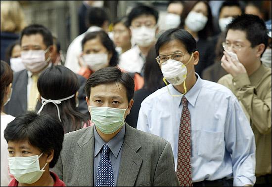Китай ізолює місто Ухань з населенням 11 млн, яке опинилося в епіцентрі спалаху нового вірусу