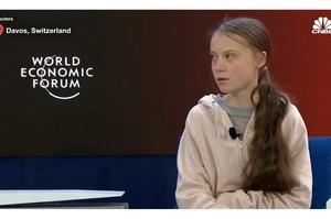 Грета Тунберг жорстко відповіла Мнучіну на закиди щодо вивчення економіки в коледжі