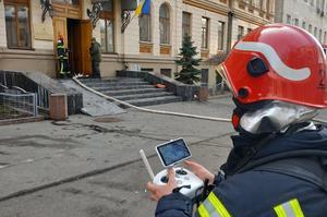 У Києві горить будівля Мінкульту (ВІДЕО)