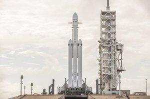 Ілон Маск придумав, де взяти десятки мільярдів на розгортання мережі супутників Starlink