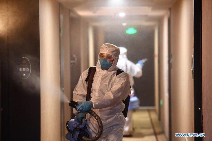 Кількість жертв коронавірусу перевищила 1000 осіб, китайські компанії звільняють працівників
