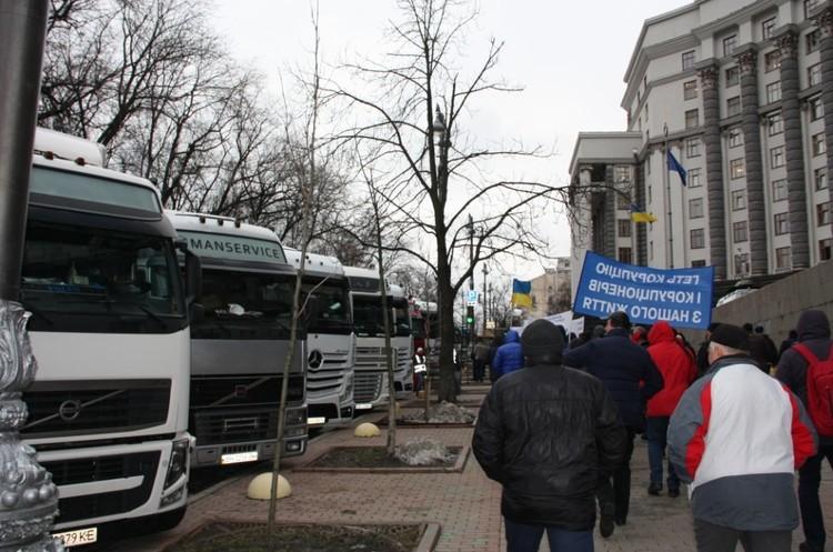 Автоперевізники вимагають в уряду відмовитися від автоматичного зважування вантажівок