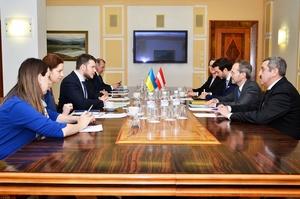 Україна пропонує лібералізувати автоперевезення між Україною та Австрією