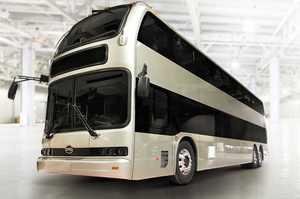 BYD презентувала двоповерховий електробус, який проїжджає 370 км на одній зарядці