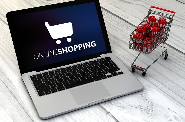Право в мережі: за що можуть подати в суд на власника інтернет-магазину