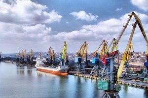 Правоохоронці другий день поспіль обшукують Адміністрацію морських портів України
