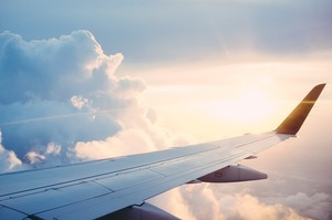 Регулятор очікує першого за 17 років падіння попиту на авіаперевезення