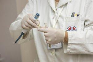 В США розробили першу пробну вакцину від коронавірусу