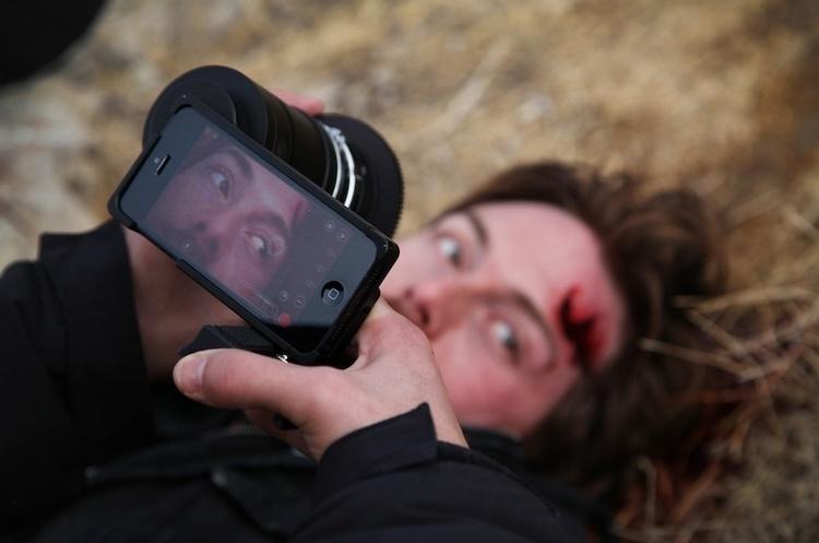 Режисер: Apple не дозволяє «злим» персонажам у фільмах користуватися «айфонами»