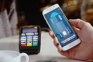 Гроші, карти, NFC: як змінюються платіжні звички українців
