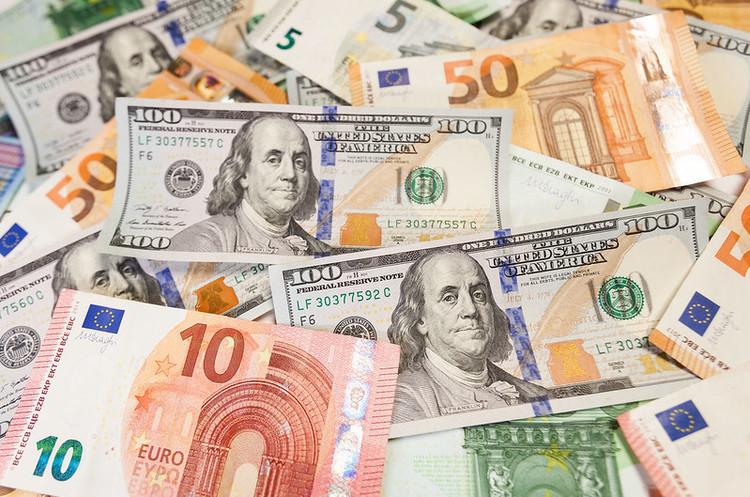 НБУ скоротив тижневу чисту купівлю валюти на 35,2%