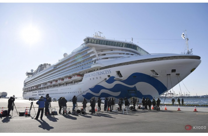 Всі пасажири й екіпаж нарешті зійшли з японського лайнера Diamond Princess