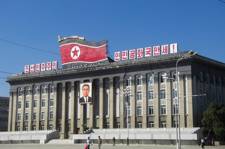 КНДР знову запустила два невпізнаних снаряди