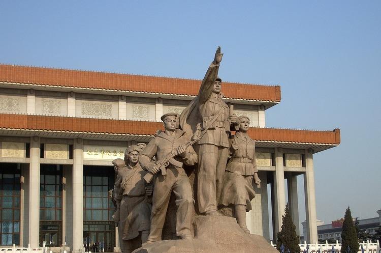 У КНР набув чинності закон, що забороняє писати в інтернеті негатив про Китай