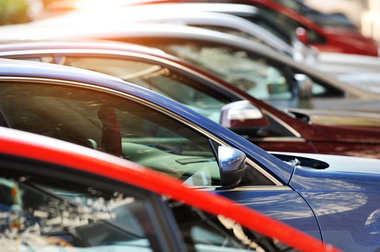 Попит на нові комерційні авто у лютому знизився на 5% у порівнянні з минулим роком