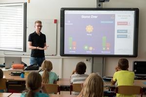 В Україні молодим вчителям одноразово виплатять по 21 020 грн