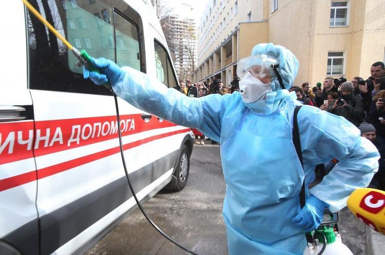 З 12 березня Кабмін вводить карантин по всій Україні на три тижні через коронавірус