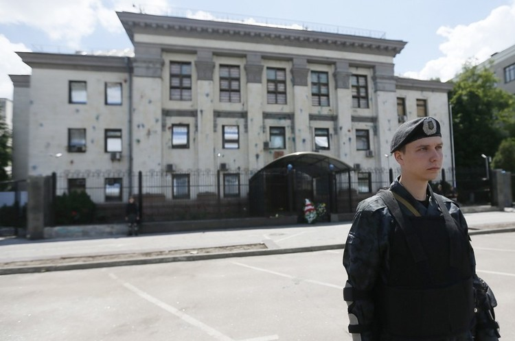 Київрада розірвала договори оренди з посольством РФ