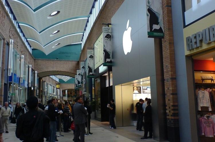 Apple відкрила усі свої магазини в Китаї