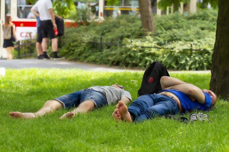 Біохакінг та сон: топ-9 рекомендацій для здоров'я