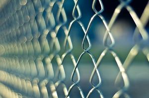 Влада Румунії ввела покарання до 15 років позбавлення волі через коронавірус