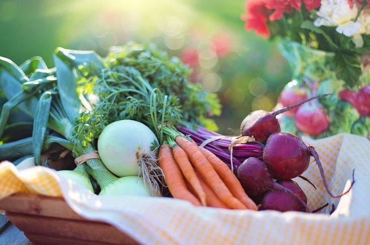 Мінекономіки хоче відновити роботу продовольчих ринків під час карантину