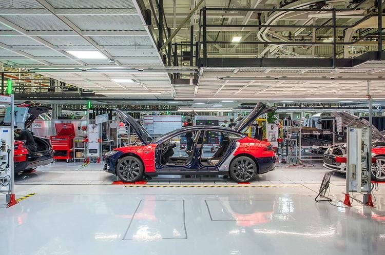 Карантин із користю: Маск займеться модернізацією своїх заводів під час вимушеного простою