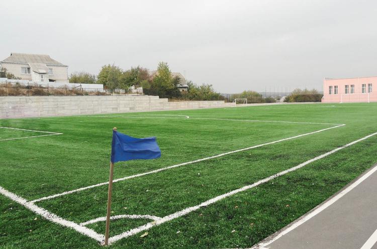 Поліція викрила схему розкрадання коштів на будівництво футбольних полів на 9,4 млн грн