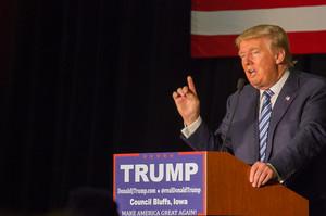 Трамп розраховує «відкрити» економіку США до 12 квітня, попри застороги експертів