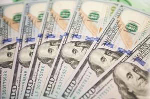 НБУ продав $11 млн для зміцнення курсу гривні вперше за три дні