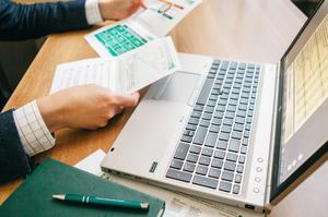 НБУ планує продати банкам $180 млн готівкою 30 березня