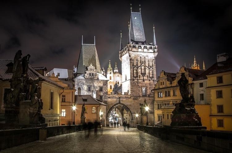 Використання масок в Чехії дозволило зменшити темпи поширення коронавірусу