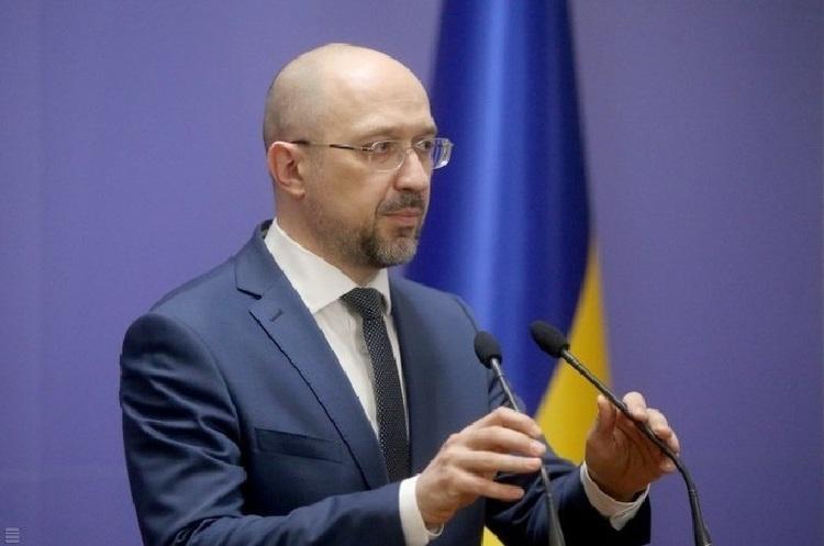 Україна не може не працювати півроку – Шмигаль