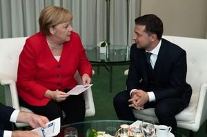 Зеленський та Меркель обговорили допомогу Україні з боку ФРН у боротьбі з коронавірусом