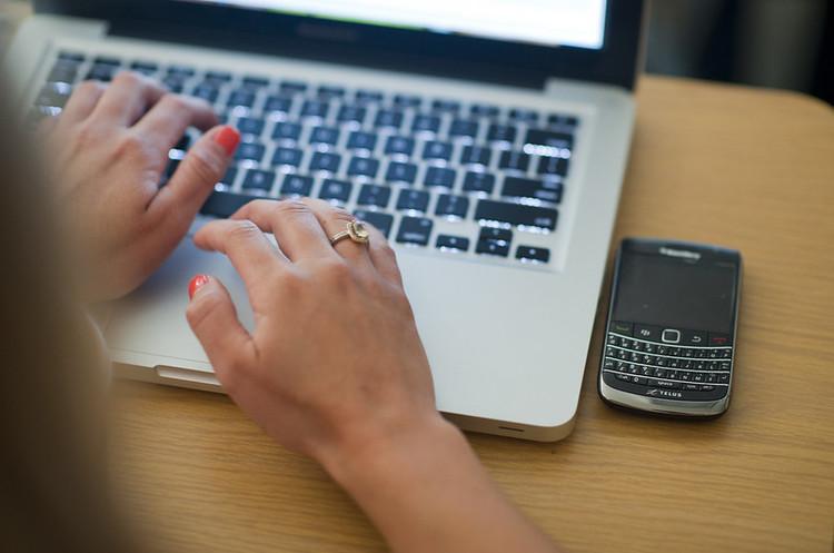 Українці використовують більше інтернет-трафіку у період карантину — Мінцифра
