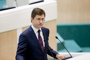 Росія поки що не збирається нарощувати добування нафти – Новак