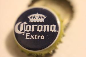 Виробник пива Corona призупинить виробництво через коронавірус
