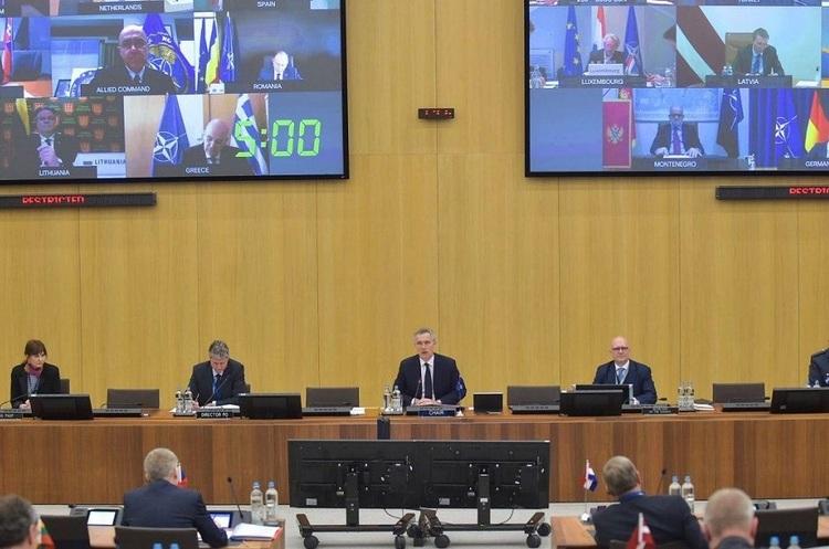 Міністри країн НАТО вирішили нарощувати співпрацю з Україною і Грузією – Столтенберг