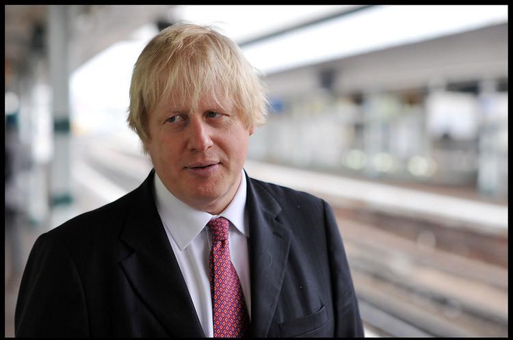 Британського прем'єра госпіталізували через коронавірус
