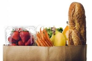 «Нова Пошта», АТБ та Rozetka розширили доставку продуктів додому по всій Україні